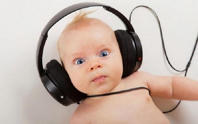 دکتر مریم یعقوبی   متخصص گوش، حلق و بینی   درمان کم شنوایی در کودکان