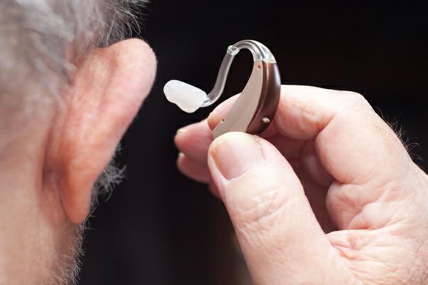 درمان کم شنوایی با جدیدترین روشهای روز دنیا